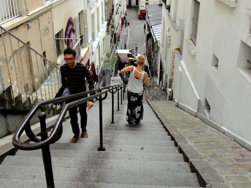 Zahlreiche Treppen am Montmartre_©RosiKmitta