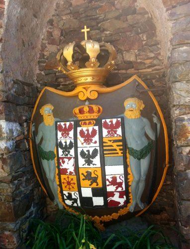 Wappen-auf-Burg-Rheinstein14_©RosiKmitta
