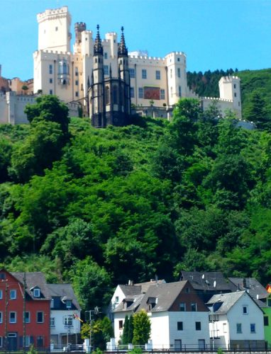 Schifffahrt-mit-Blick-auf-Schloss-Stolzenfels3_©RosiKmitta