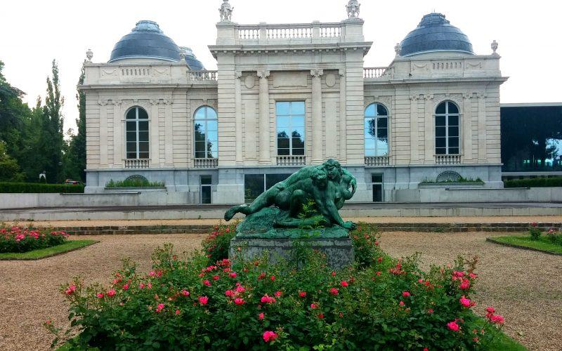 Gebissener-Faun-im-Rosengarten-vor-Museum-La-Boverie-in-Lüttich©RosiKmitta