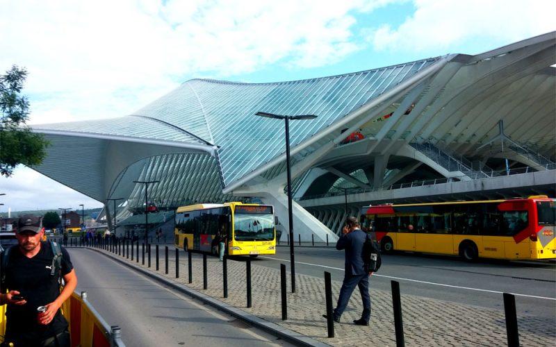 Guillemins-Bahnhof-von-Architekt-Calatrava-in-Lüttich©RosiKmitta