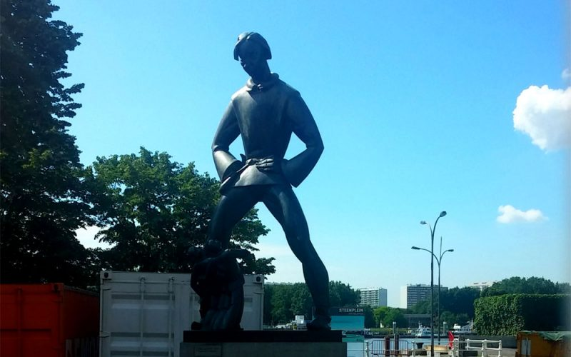 Statue-Langer-Wapper©RosiKmitta