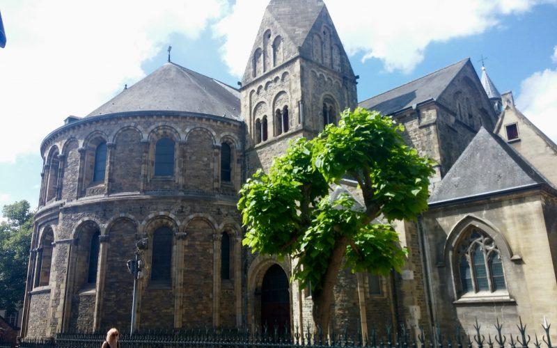 Liebfrauenbasilika-in-Maastricht©RosiKmitta