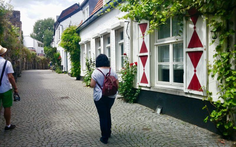 Kleine-Gassen-in-Maastricht-2©RosiKmitta